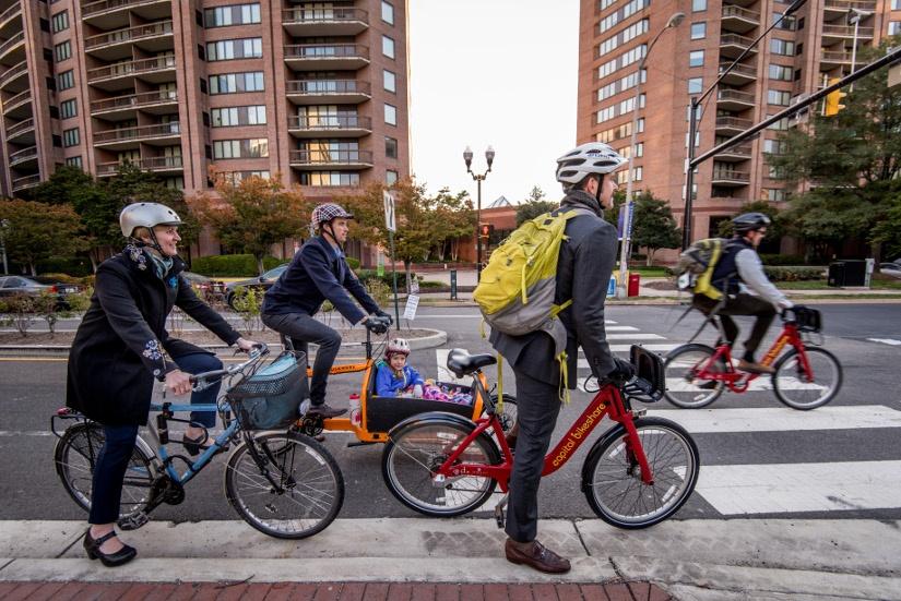 bike-commuters-with-kid.jpg