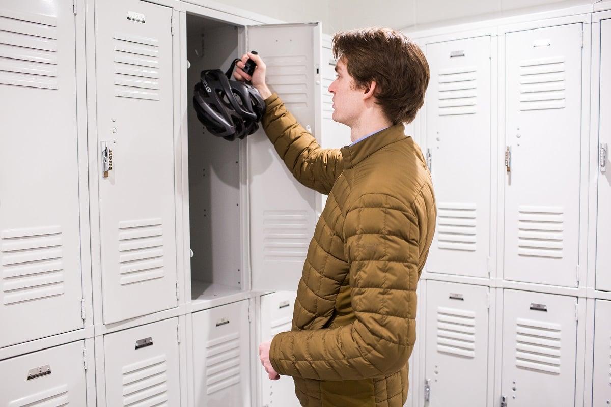 bike-helmet-in-locker