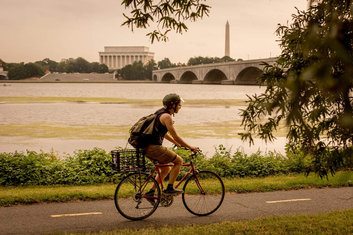 bike-ride-to-memorials-dc