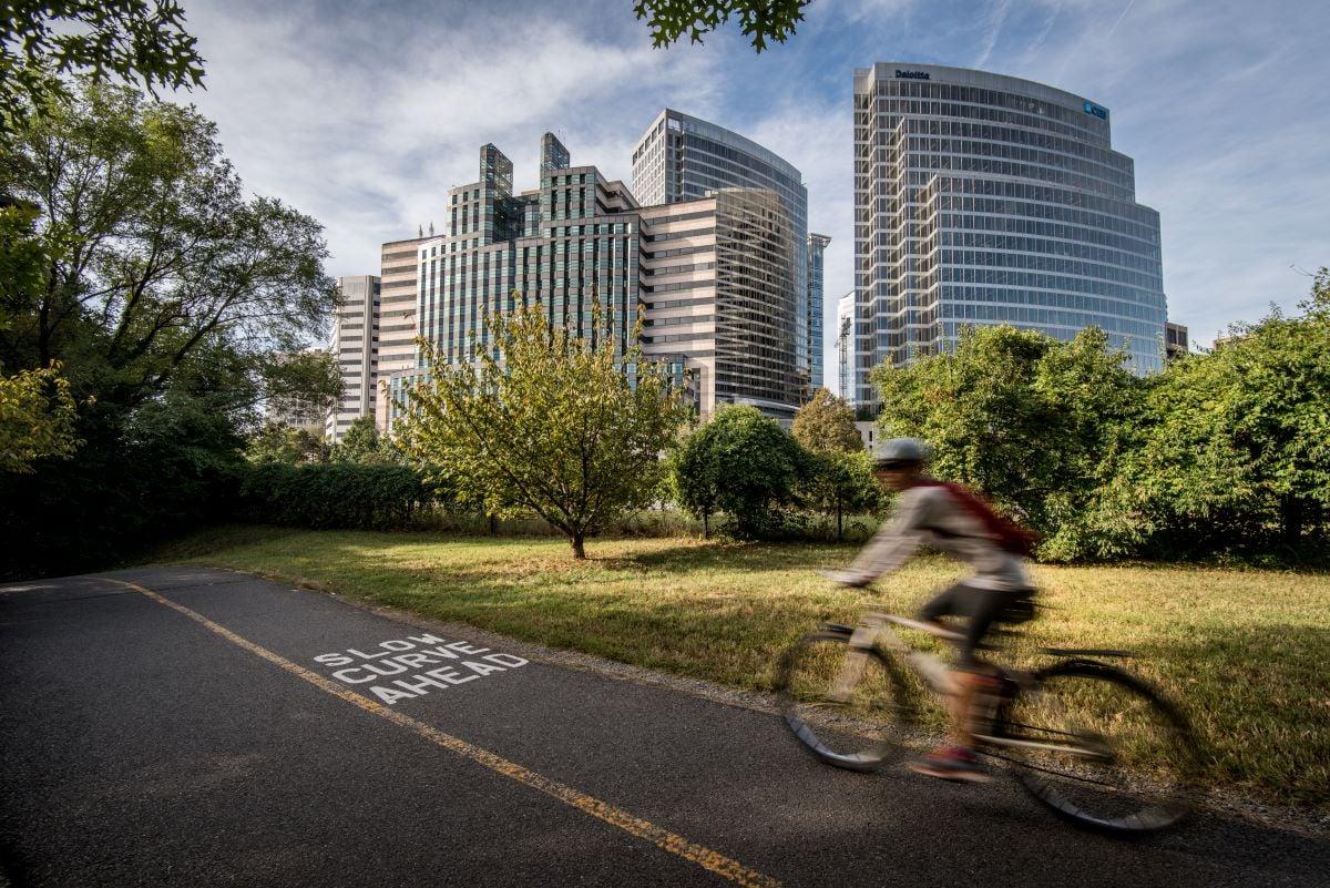 blurry-biker-rosslyn-bike-lane