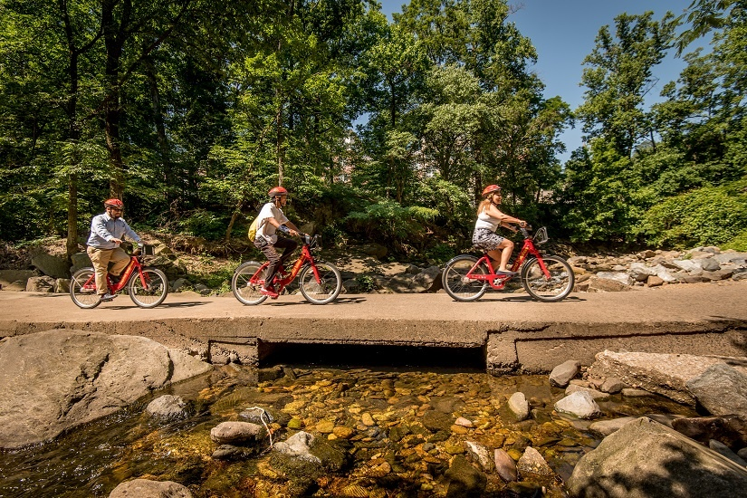 cabi-riders-on-trail