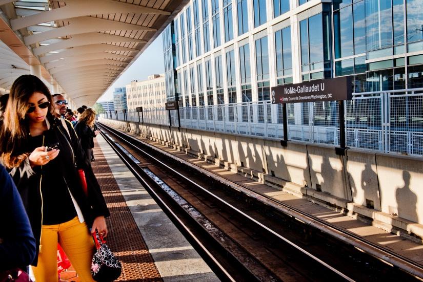 commuters-noma-metro-platform.jpg
