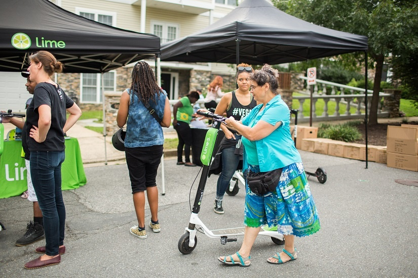 oss-2018-lime-scooter-user