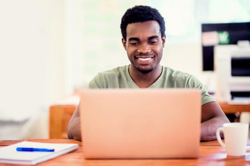 teleworking-guy-laptop