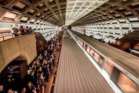 Metro trains, Commuters on platforms, Arlington, Virginia