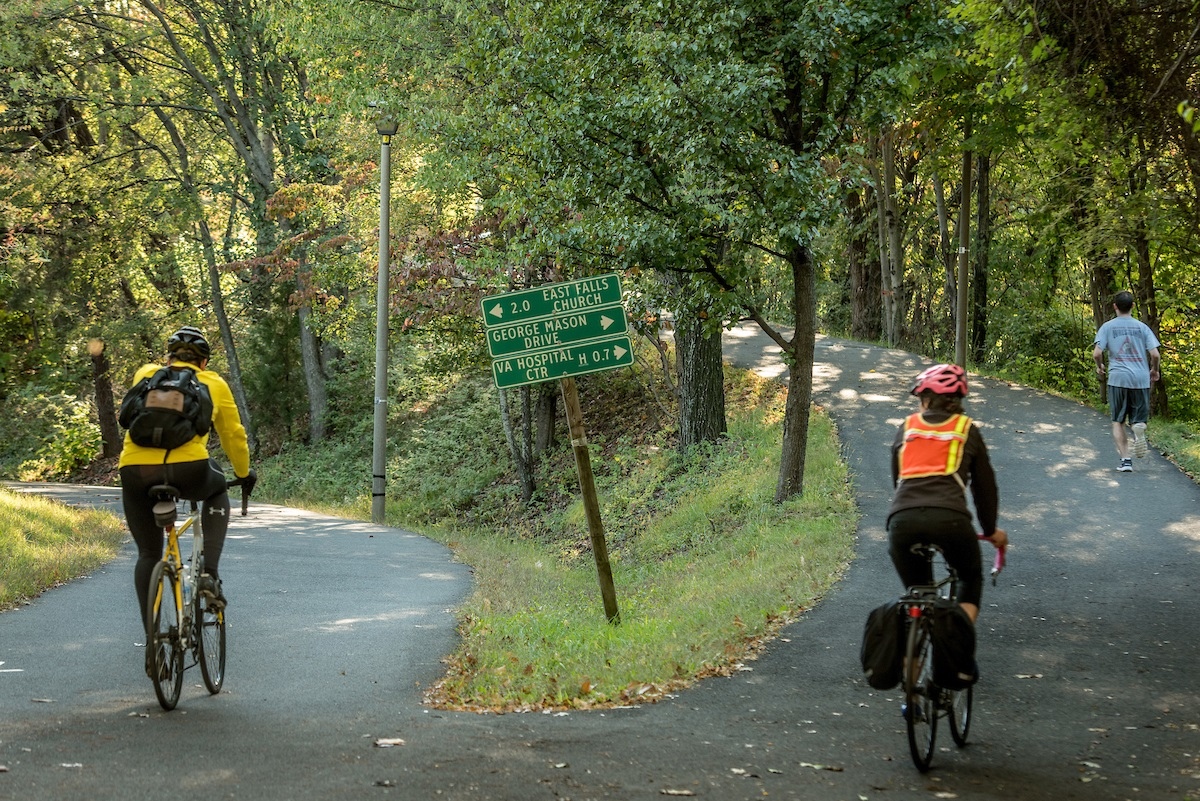 cyclists-on-crossroad-trail