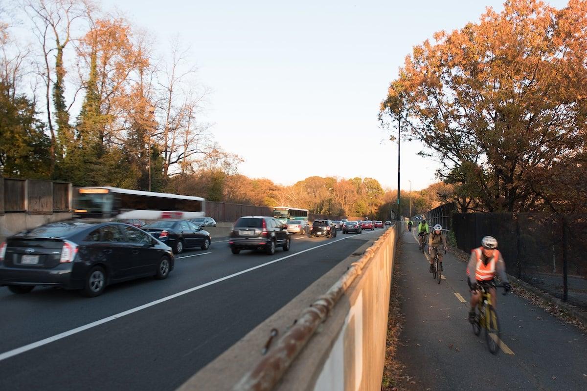 cyclists-on-i-66