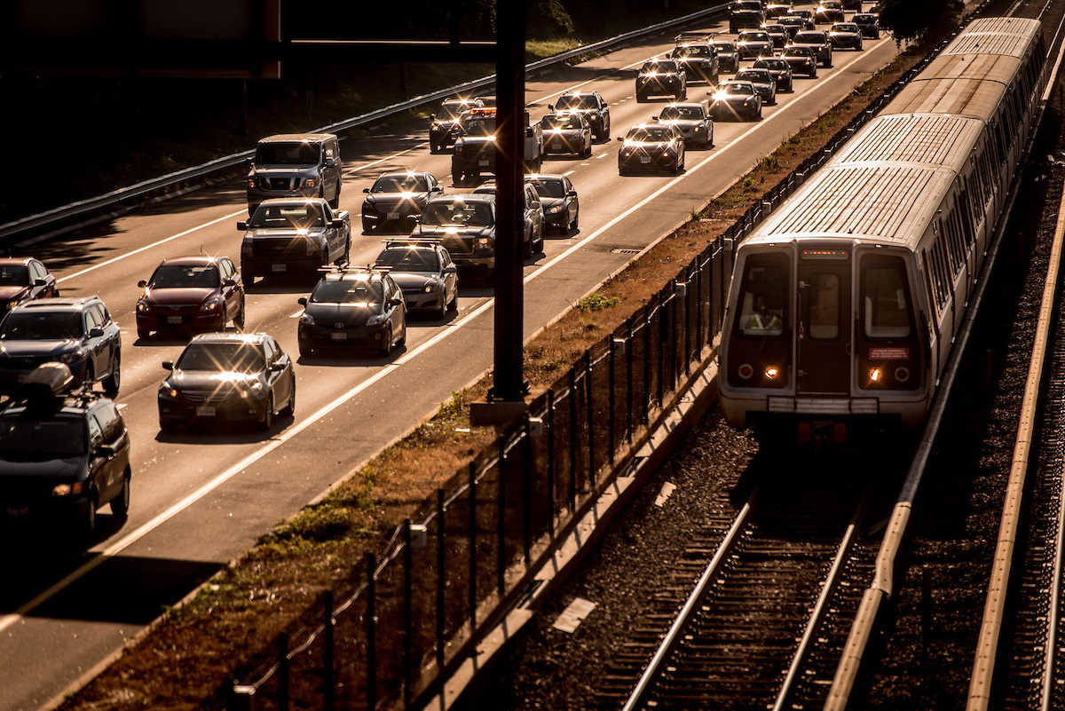 metro-on-i66-and-cars