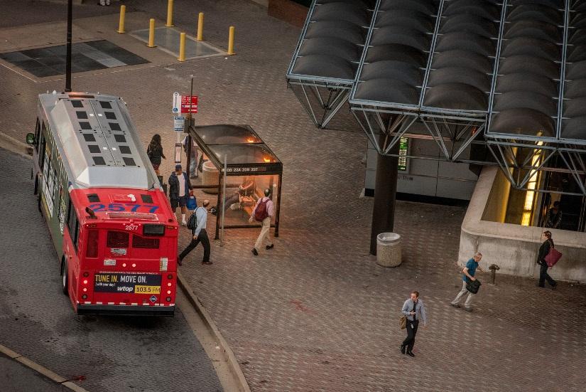 ballston-metro-bus