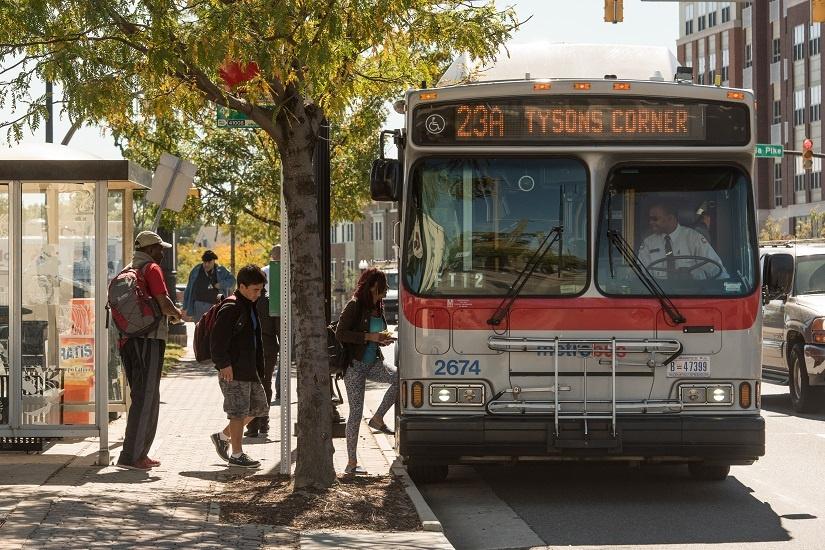 columbia-pike-bus-boarding