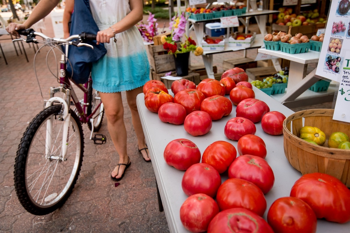 farmers-market-girl-with-bike.jpg