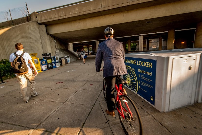 Metro Opens Doors to Bikes During Rush Hour